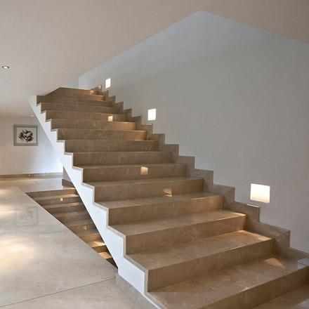 treppen treppen beeindrucken durch nat rliche sch nheit. Black Bedroom Furniture Sets. Home Design Ideas